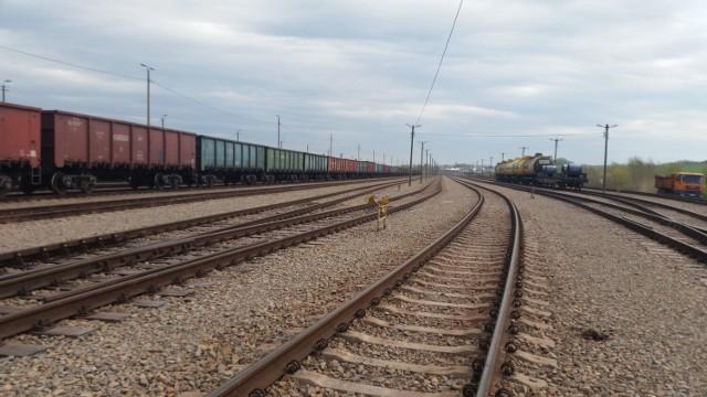 PKP PLK kontynuuje prace przy liniach kolejowych koło Przemyśla.