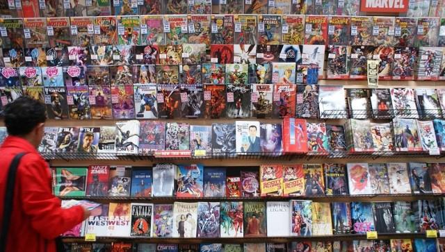 Choć polski komiks często kojarzy się głównie z okresem PRL-u, to również w późniejszych latach w księgarniach pojawiało się wiele tytułów, które dziś cieszą się mianem kultowych. Te polskie komiksy powinien znać każdy miłośnik historii w obrazkach!  Sprawdź --->