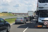 Wypadek na A1 w Czerwionce-Leszczynach. Zderzyły się trzy samochody, są ranni. Autostrada jest zablokowana w obu kierunkach