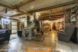 Malowniczy dwór pod Skierniewicami wystawiony na sprzedaż. Oferta z listopada 2020