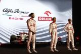Nowy bolid zespołu Alfa Romeo Racing ORLEN zaprezentowany w Warszawie. Tak wygląda nowa maszyna ekipy Roberta Kubicy