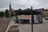 Kraków. Bal wiedeński wokół kiosku na Rynku Podgórskim [ZDJĘCIA]