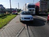 Busko-Zdrój. Zderzenie trzech samochodów osobowych na ulicy Wojska Polskiego. Utrudnienia na drodze numer 73 [ZDJĘCIA]