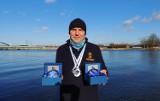 Świnoujścianin zdobył dwa medale w Wolinie w zimowym pływaniu
