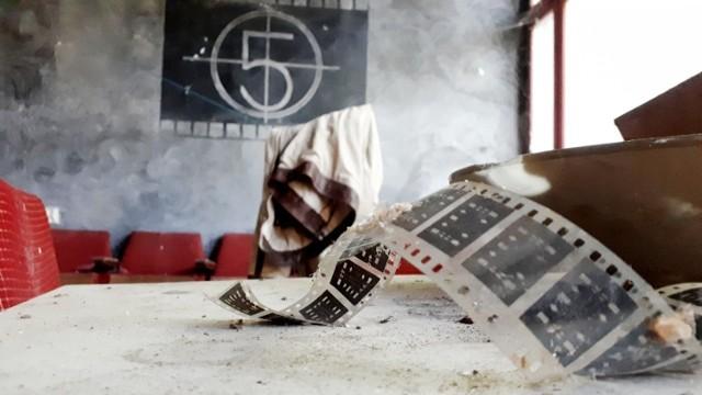 Z przerażeniem na to miejsce patrzą mieszkańcy Łagowa. Smutek i żal czuje niejeden miłośnik kina, który odwiedzał Łagów podczas Lubuskiego Lata Filmowego.