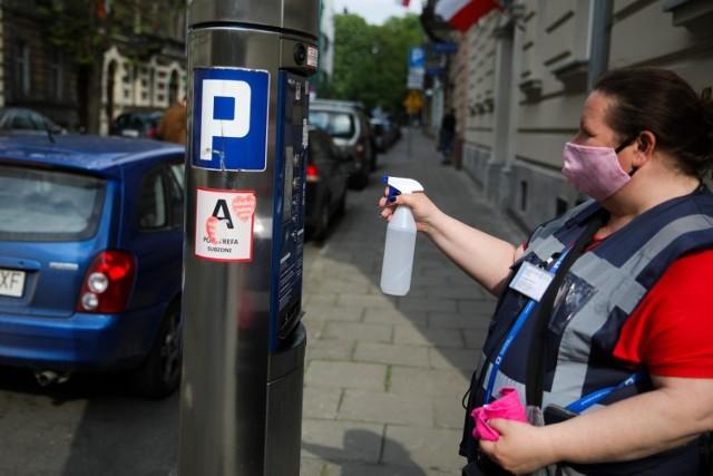 ZDMK potrzebuje nowych pracowników do obsługi strefy płatnego parkowania