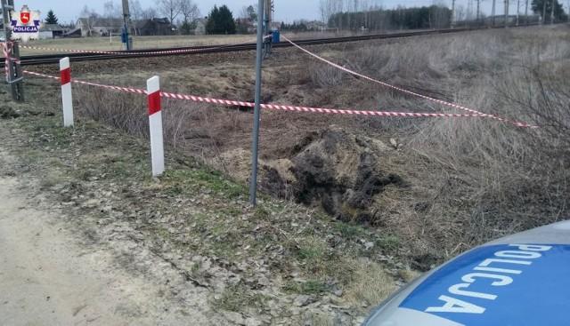 Wólka Kańska. Pracownicy kolei znaleźli pociski artyleryjskie