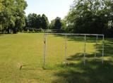 Będą trzy nowe, wielofunkcyjne boiska przy chełmskich szkołach. Zobacz jak wyglądają obecnie.
