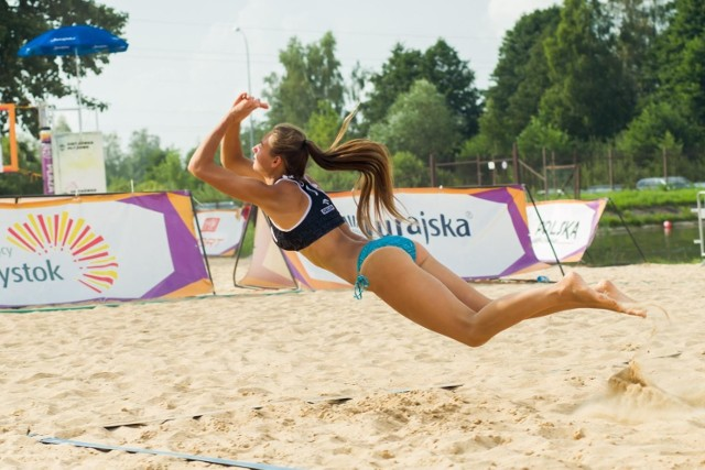 Siatkarska Plaża Open i triathlonowe zawody Elemental Trial Series