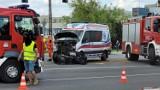 Wypadek karetki w Sosnowcu. Doszło do zderzenia z osobówką, jedna osoba jest ranna