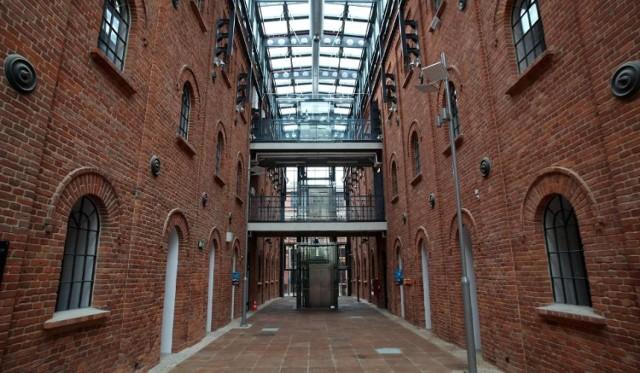Spotkania z cyklu Perform_Tech będą odbywać się w Fabryce Sztuki (Tymienieckiego 3).
