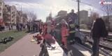 Auto zderzyło się z tramwajem. Zobacz wypadek oczami strażaka