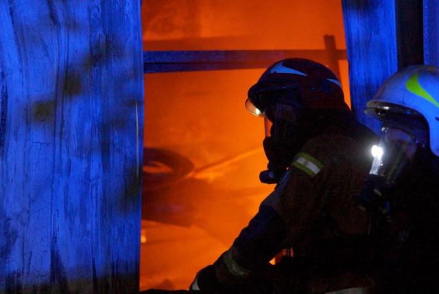 Pożar w Cekowie-Kolonii koło Kalisza. Spłonęła lakiernia. Straty są ogromne