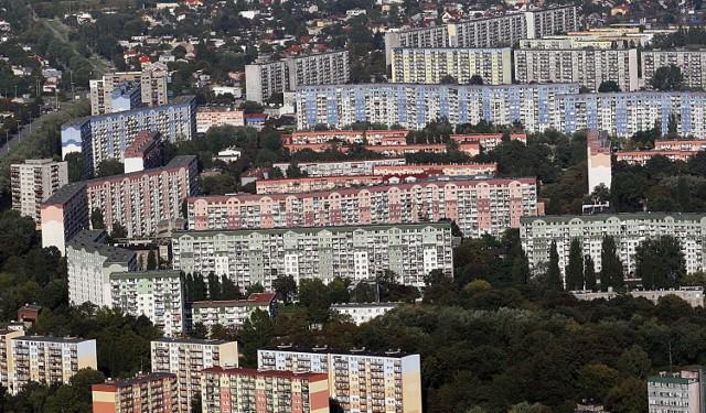 Najmniejsze dwupokojowe mieszkania w Łodzi na sprzedaż. Na kolejnych planszach: najmniejsze mieszkania z dwoma pokojami w Łodzi w kolejności od najdroższego do najtańszego.  Zobacz kolejne zdjęcia. Przesuwaj zdjęcia w prawo - naciśnij strzałkę lub przycisk NASTĘPNE