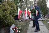"""Chodzież: obchody Narodowego Dnia Pamięci """"Żołnierzy Wyklętych"""". Zdjęcia z uroczystości na chodzieskim cmentarzu"""