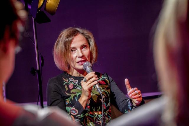"""W Tychach pojawi się  z Joanna Bator, autorka wielu powieści m.in. """"Ciemno, prawie noc"""", za którą dostała Nagrodę Literacką Nike"""