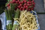 Sprawdziliśmy ceny warzyw i owoców na targu w Dębicy. Zobaczcie!