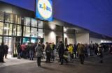 Nowy Lidl w Poznaniu otwarty. Długa kolejka klientów przed wejściem [ZDJĘCIA]