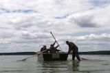 Łódzcy terytorialsi ćwiczyli w wodzie i na wodzie w Treście nad Zalewem Sulejowskim (FOTO)