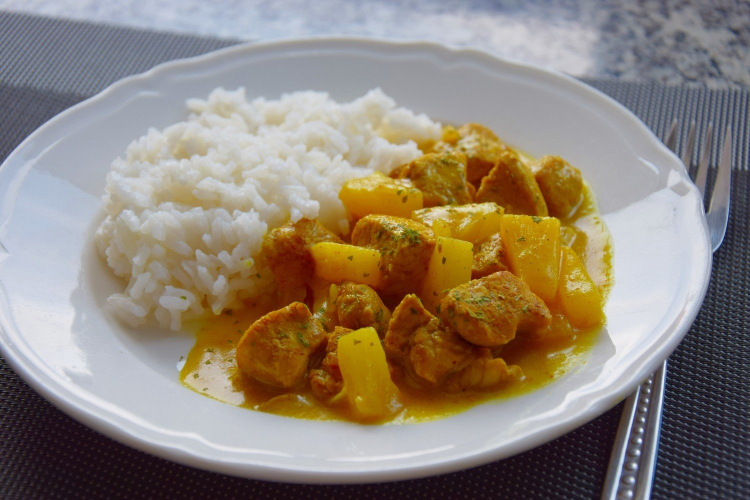 Curry Z Kurczaka Z Ananasem Przepis Pomysl Na Szybki Prosty I