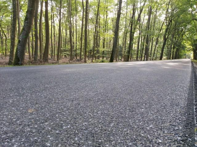Nasze samorządu pieniądze z Polskiego Ładu chcą w największej części wydać na remonty i budowy dróg (zdjęcie ilustracyjne).