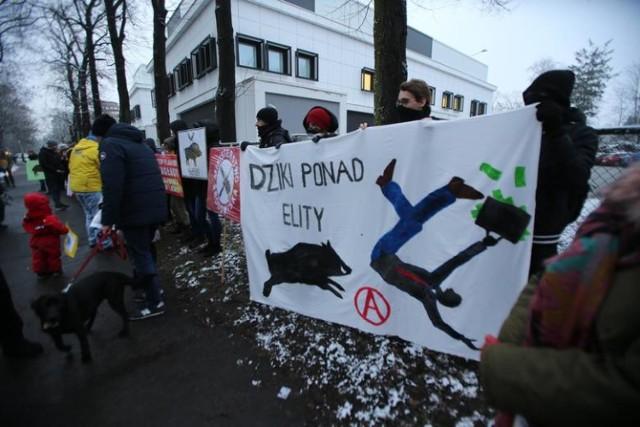 10.01.2019 Wroclaw Solidarni z dzikami - protest we Wrocławiu pod wojewódzkim inspektoratem weterynarii