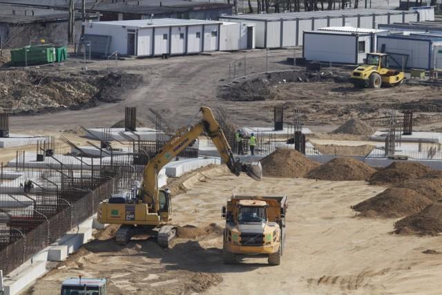 Budowa nowego stadionu w Sosnowcu odbywa się bez zakłóceń.  Zobacz kolejne zdjęcia. Przesuwaj zdjęcia w prawo - naciśnij strzałkę lub przycisk NASTĘPNE