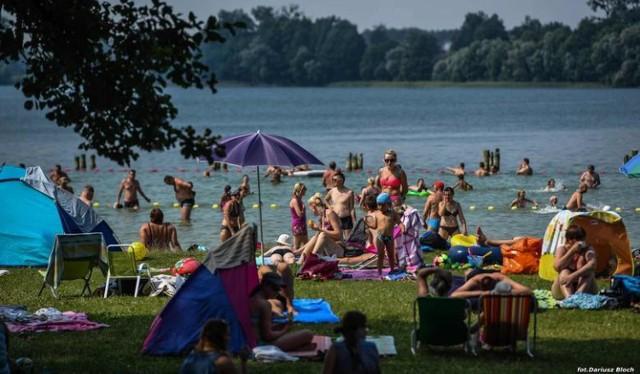 Niektóre z plaż od Bydgoszczy dzieli zaledwie kilkanaście kilometrów. Dojechanie tam nie zajmie więcej niż pół godziny.  Sprawdźcie, które z plaż znajdują się w okolicy Bydgoszczy.