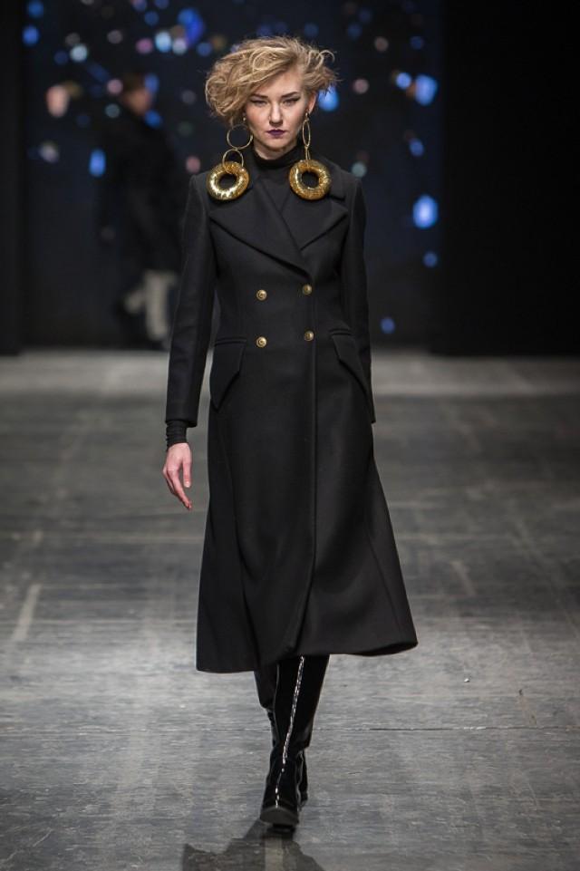 Jarosław Ewert; kolekcja zaprezentowana w ramach Designer Avenue podczas Fashion Week 2016 w Łodzi / 22.04.2016