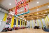 """W bydgoskiej """"Jedynce"""" otwarto nową halę sportową. Uczniowie będą mieli tu komfortowo [zdjęcia]"""