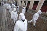Przeszli przez centrum Poznania, protestując przeciwko szczepionkom na koronawirusa