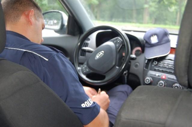 Dąbrowice: Straciła prawo jazdy za szybką jazdę