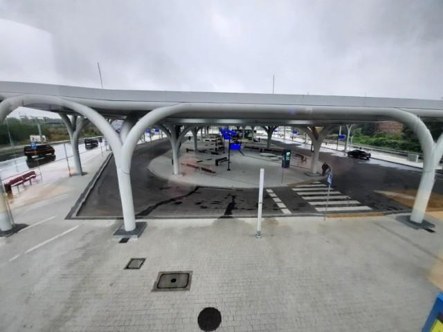 Nowy dworzec autobusowy w Katowicach przy ulicy Sądowej. Zdjęcia wykonaliśmy we wtorek, 13 października, w godzinach popołudniowych