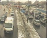Ciężki piątek kierowców i pasażerów. Kraków i obwodnica stoją w korkach [UTRUDNIENIA]