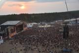 Zachód słońca w Kostrzynie nad Odrą. Pol'and'Rock 2018 - przeżyjmy to jeszcze raz! [FOTO]