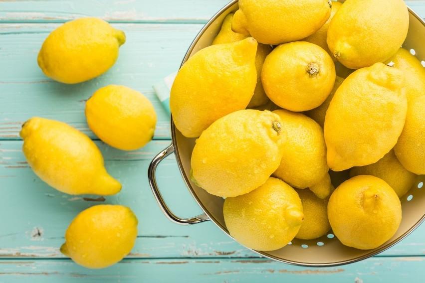 Choć owoc ten ma kwaśny smak, jest topowym zasadotwórczym...