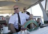 Pomorskie. Dzień Marynarza (25.06.2020). Kilkadziesiąt tysięcy Pomorzan pływa na statkach i okrętach. Spójrz, jak wygląda ich praca!