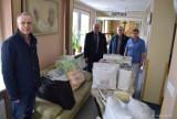 Krotoszyn: Urzędnicy zorganizowali zbiórkę na potrzeby pacjentów ZOL i ZOP [ZDJĘCIA]