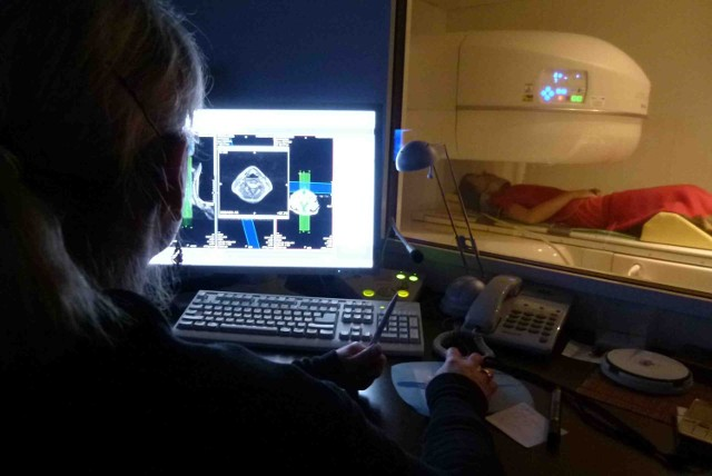 Rezonans magnetyczny wreszcie pracuje w szpitalu pełną parą
