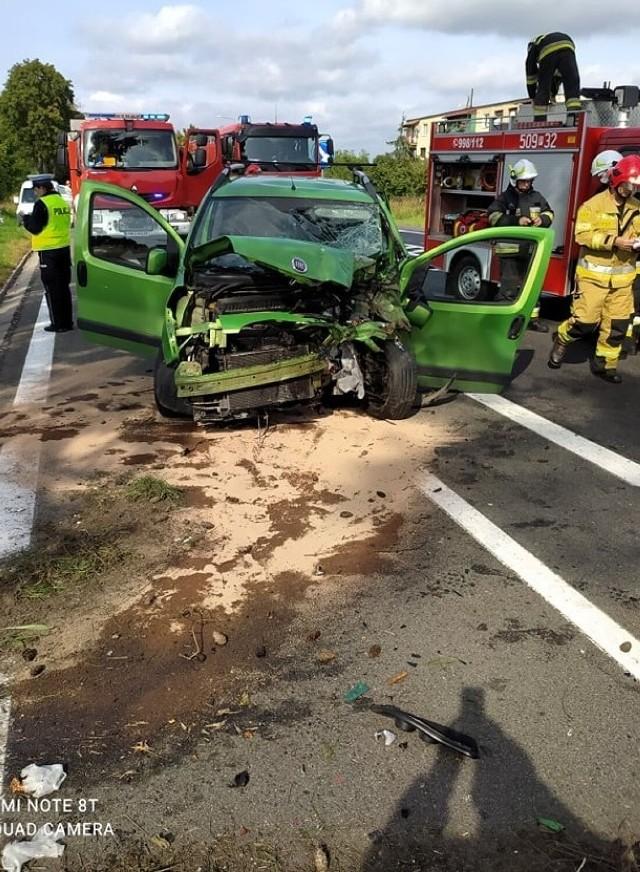 Wypadek na drodze krajowej nr 24 w Daleszynku. Nie żyje 19-letni kierowca (13.09.2021)