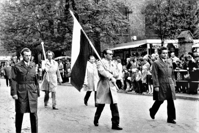 Święto Pracy w Gnieźnie na archiwalnych zdjęciach