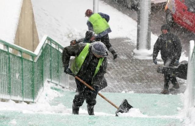 Nieoczekiwany powrót zimy nastąpi już w nocy z poniedziałku na wtorek. Spaść może nawet 40 cm śniegu