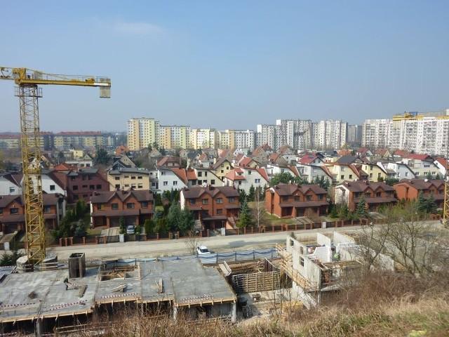 Zdjęcie było robione z góry, która znajduje się przy ulicy Świeradowskiej