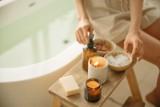 Przechowywanie kosmetyków do makijażu i pielęgnacji – gdzie nie wolno ich trzymać?