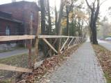 Bytom: Szkody górnicze w Miechowicach - ogrodzenie czeka na naprawę
