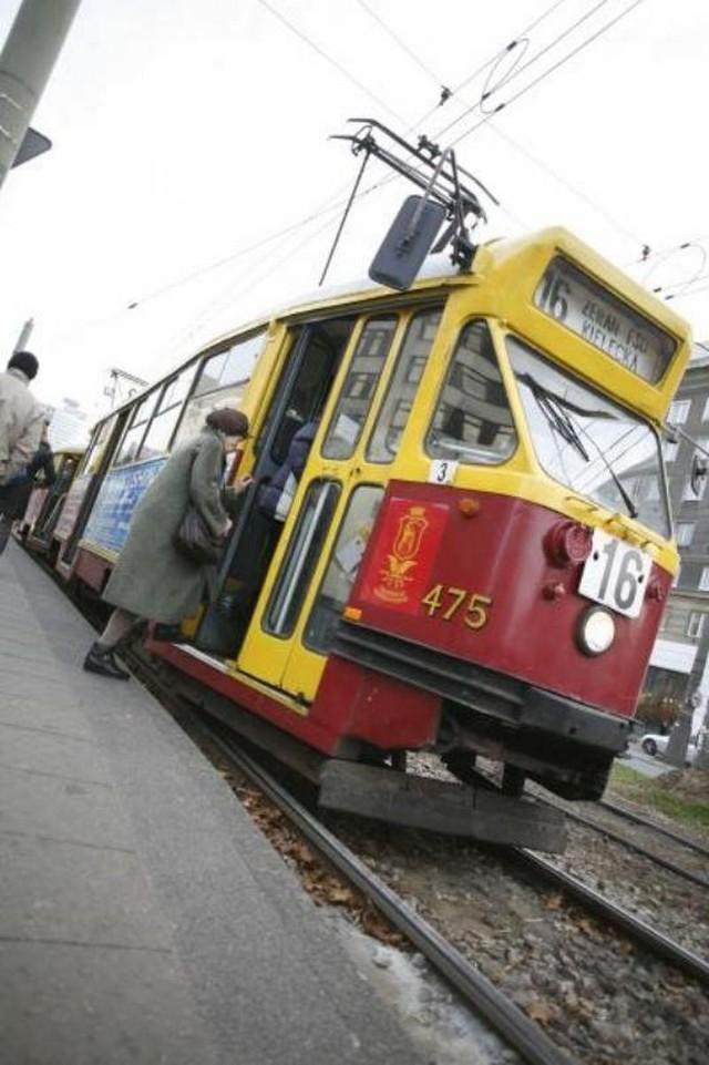 Póki co warszawiacy muszą poczekac na szybsze tramwaje.