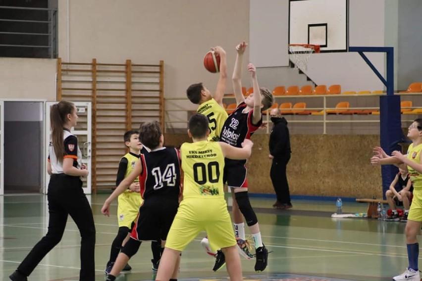 Bardzo udany, koszykarski weekend za nami! Zobaczcie jak poradziły sobie nasze młodzieżowe zespoły! [RELACJE]