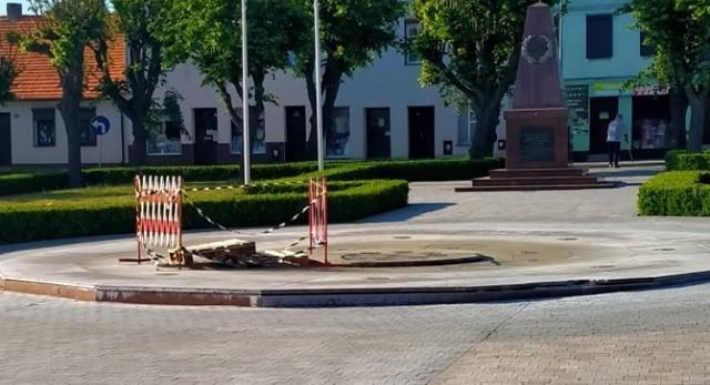 Fontanna w Książu Wielkopolskim. Mieszkańcy pytają, dlaczego nie działa?