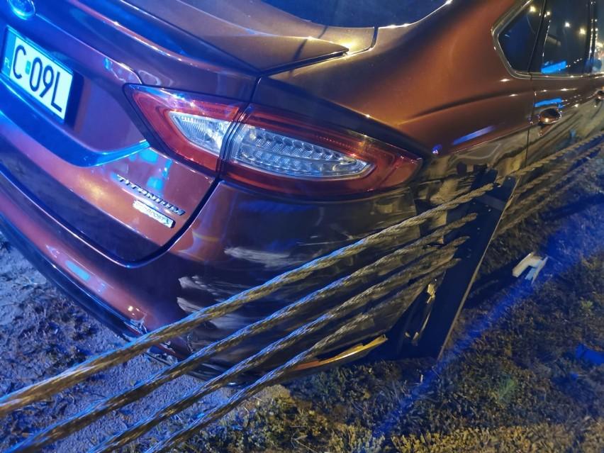Wypadek na autostradzie A1 pod Grudziądzem. Ciężarówka zderzyła się z samochodem osobowym