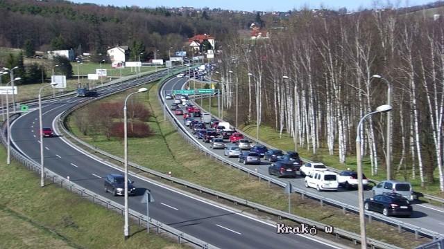 Wypadek na zakopiance we Włosaniu spowodował dziś powstanie wielkiego korka w kierunku Krakowa